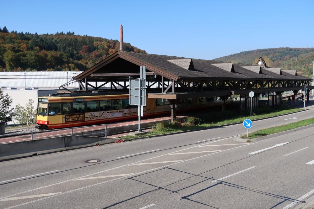 Bahnhof Busenbach mit Anschluss an die S1 und S11